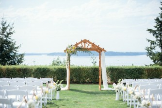 Kristi and Tim's Yellow and Peach wedding. By Alyssa Hoffman Events.